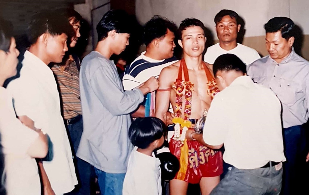 New Sanchen 2 Learning original Muay Thai: the power of team work. Chapter 4.